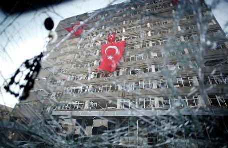 Главное полицейское управление Анкары после путча.