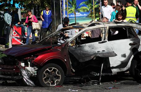 На месте взрыва автомобиля, в котором находился журналист Павел Шеремет, на перекрестке улиц Богдана Хмельницкого и Ивана Франко.