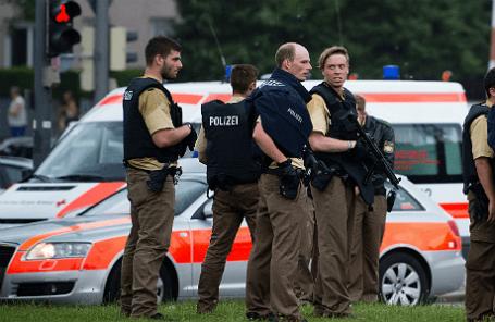В результате стрельбы в торговом центре Olympia в Мюнхене погибли люди