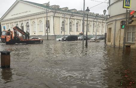 После дождя на улице Моховая