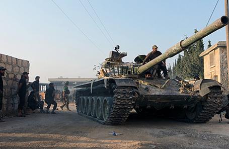 Повстанцы на танке в Алеппо, Сирия.