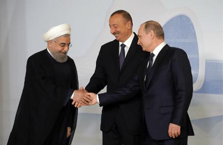 Президент Ирана Хасан Рухани, президент Азербайджана Ильхам Алиев и президент России Владимир Путин (слева направо)