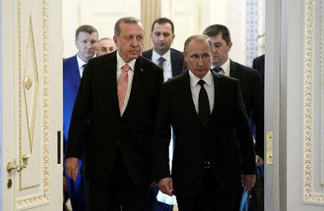 Владимир Путин и Реджеп Тайип Эрдоган на встрече в Константиновском дворце.