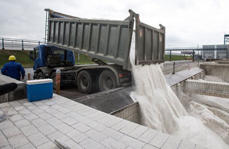 Производство противогололедного реагента для обработки дорог.