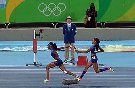 Сборная США во время эстафеты на Олимпиаде в Рио-де-Жанейро.
