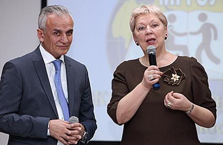 Ольга Васильева (справа).
