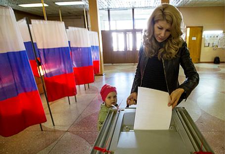 Русский политолог сказал, как В. Путина хотят «короновать»
