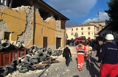 Последствия землетрясения в Аккумоли, Италия.