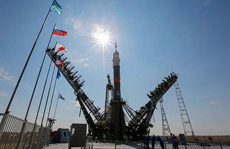 Ракета-носитель «Союз-ФГ» с кораблем «Союз МС» на стартовой площадке космодрома Байконур.