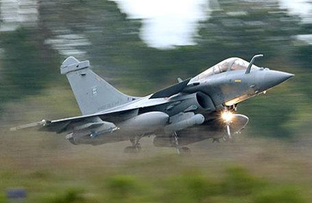 Французский многоцелевой истребитель Rafale.