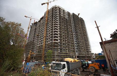 Строящееся здание на улице Шеногина, где при обрушении грузо-пассажирского подъемника погибли пять рабочих.