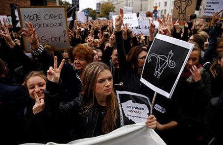 Во время протеста против запрета абортов в Польше.