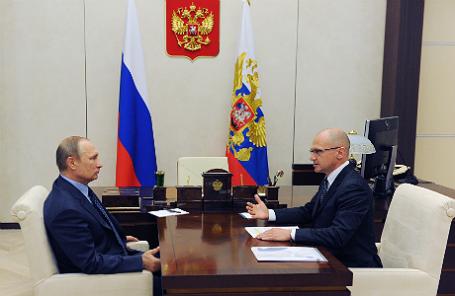 Владимир Путин и Сергей Кириенко (слева направо) во время встречи в Ново-Огарево.