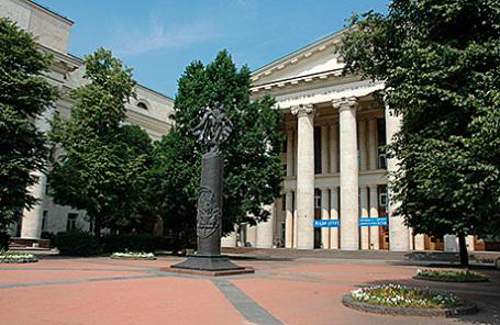 На территории Московского автомобильно-дорожного института (МАДИ).