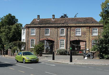 Второй по площади после Букингемского дворца особняк «Уитанхерст».