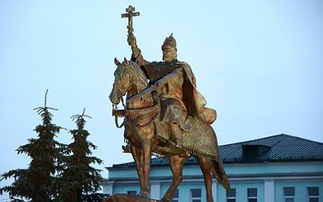 Церемония открытия памятника Ивану Грозному в Орле.