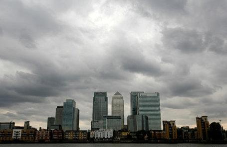Вид на финансовый район Canary Wharf в Лондоне.