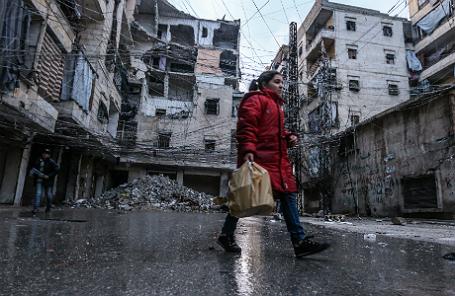 На одной из улиц Алеппо.