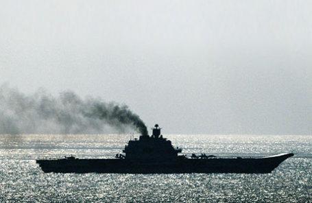 Российский авианесущий крейсер «Адмирал Кузнецов» в проливе Ла-Манш.
