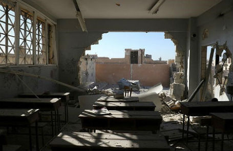Школа, разрушенная в результате авиаудара, в сирийской провинции Идлиб.