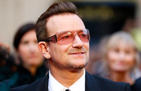 Солист рок-группы U2 Боно.