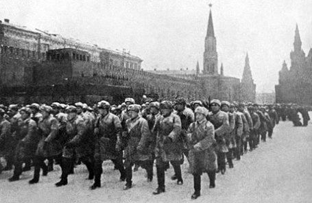 Парад войск Красной Армии 7 ноября 1941 года.