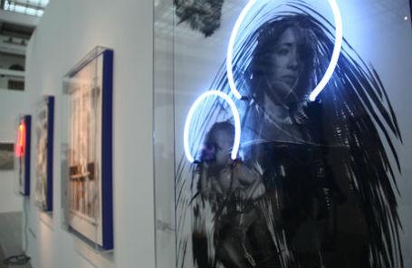 Выставка «Современная мадонна».