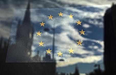 Европейская комиссия решила брать 5 евро стуристов забезвизовый заезд вЕС