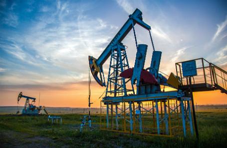 СМИ узнали онамерении ОПЕК снизить добычу нефти