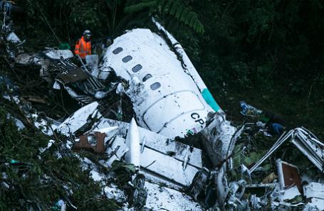 На месте крушения самолета в Колумбии.