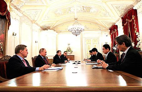 Встреча президента России Владимира Путина с министром иностранных дел Японии Фумио Кисидой, 2 декабря 2016.