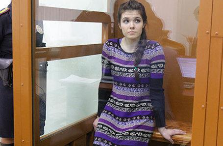 Варвара Караулова в Московском окружном военном суде.