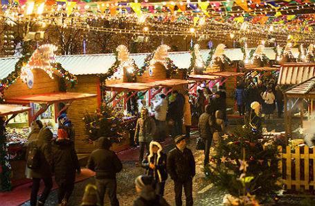 Новогодняя ярмарка на Красной площади.