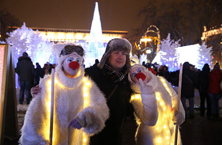Горожане на фестивале «Путешествие в Рождество» на Пушкинской площади.