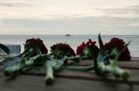 Поисково-спасательные работы на месте крушения Ту-154 в Черном море.