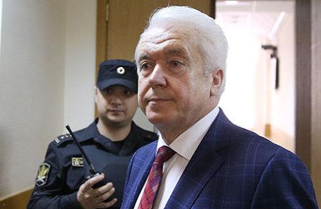 Бывший депутат Верховной рады Владимир Олейник.
