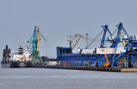 Порт Усть-Луга.
