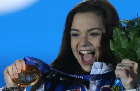 Российская спортсменка Аделина Сотникова, завоевавшая золотую медаль на соревнованиях по фигурному катанию на XXII зимних Олимпийских играх.