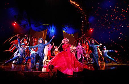 Выступление Cirque du Soleil.