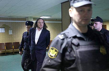 Бизнесмен Сергей Полонский (в центре).
