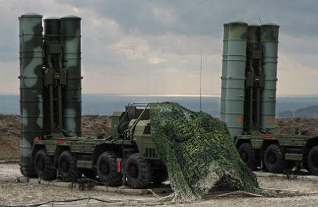 Российская зенитная ракетная система большой и средней дальности С-400 «Триумф».