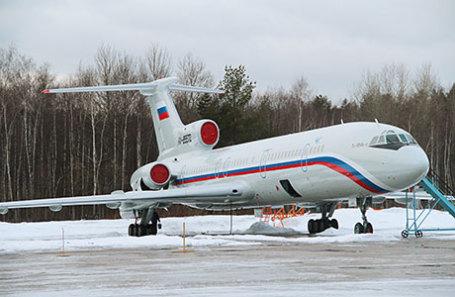 Самолет Ту-154.