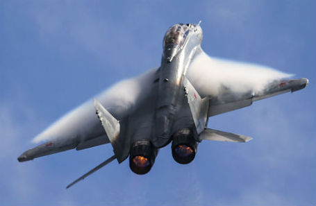 Российский многоцелевой сверхманевренный истребитель МиГ-35.