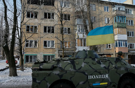 Украинский бронетранспортер в Авдеевке.