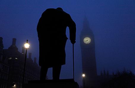Памятник Уинстону Черчиллю в Лондоне, Великобритания.