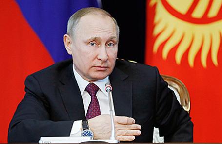 Президент России Владимир Путин на пресс-конференции в Бишкеке, Киргизия, 28 февраля 2017.