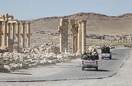 Сирийские солдаты в Пальмире.