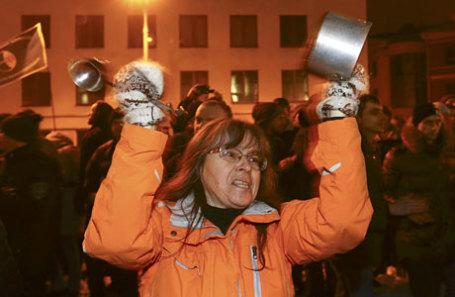 Во время протеста против налога на тунеядство в Минске.