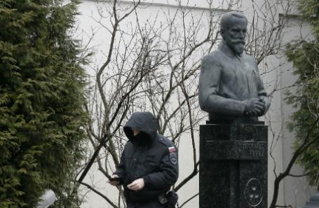 Мединский: обыски вцентре Рерихов связаны спокровителем музея