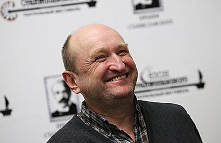 Режиссер Сергей Женовач.